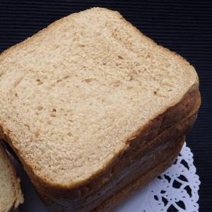 ホームベーカリーで作る黒糖食パンの作り方
