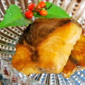 お弁当にも♪醤油麹で簡単♡コクのある鰤の照り焼き♡