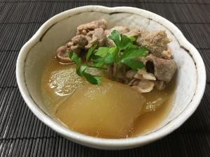 圧力鍋で短時間で味が染み込む!冬瓜と豚肉煮