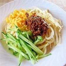 肉味噌を使い~ジャージャー麺風