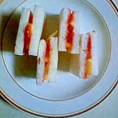 苺とレモンのサンドイッチ