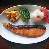柚子風味の鮭&サラダプレート