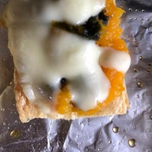 カボチャのめかぶ海苔和え油揚げチーズ焼き