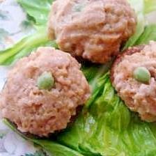 シリコンスチーマーで作る肉椎茸のキャベツ蒸し