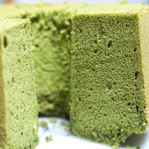抹茶の米粉シフォンケーキ