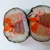 赤い巻き寿司