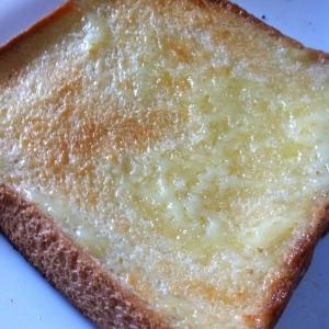 カリカリマヨネーズのトースト