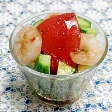 きゅうりとトマトのカップサラダ