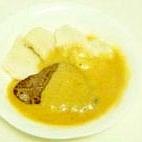 クネドリキ チェコ料理 牛肉と茹でパン