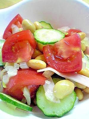 おいしい夏の味 さっぱりトマトと大豆のサラダ