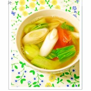 チンゲン菜とトマトの青ねぎスープ