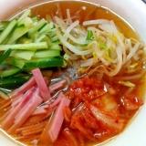 糸こんにゃくで韓国風冷麺