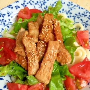 ガッツリ麺‼︎肉サラダうどん♪