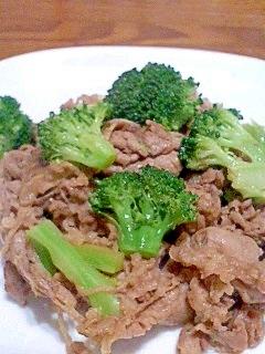 牛肉とブロッコリーの甘辛ガーリック炒め