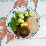 胡瓜、ワカメ、糸寒天、オクラの梅酢和え