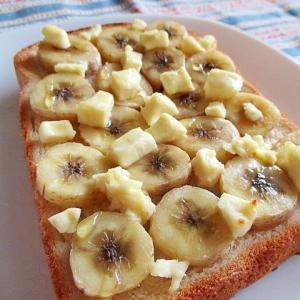 クリームチーズとバナナの幸せとろとろトースト♪