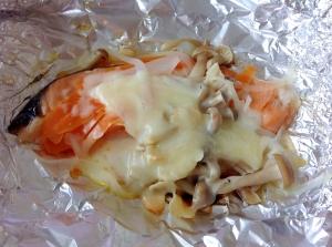 オリーブオイルとニンニクが良い香り☆鮭のホイル焼き
