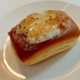 クリームチーズとキウイジャムのミニクリームパン