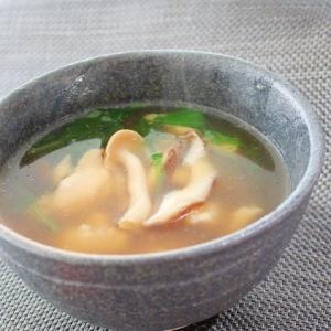 ふっくら鶏胸肉としめじと椎茸と水菜のお吸い物