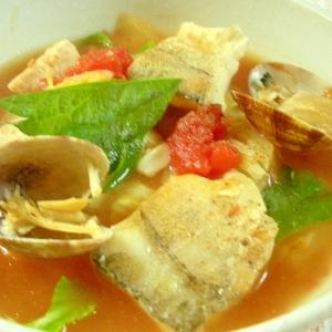 ☆あさりとたらと鶏ムネ肉のヘルシートマト鍋☆