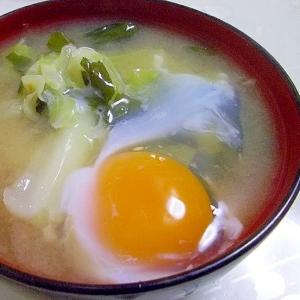 きゃべつの生卵みそ汁