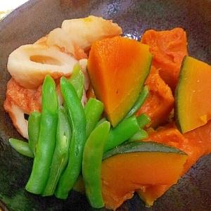 かぼちゃ、竹輪、インゲンの煮物