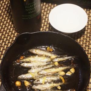 ワインに日本酒に、モロコの柚子アヒージョ