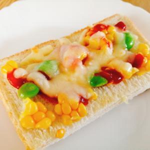 とうもろこしと枝豆とチーズのトースト