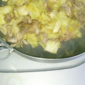 マイタケと豚肉の蒸し焼き