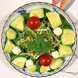 ほうれん草、アボガドのサラダ