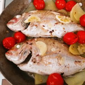 レモンでさっぱり、鯛の蒸し焼き