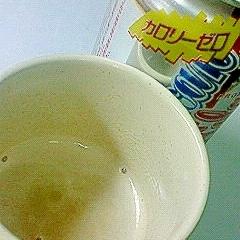 しゅわしゅわ◎牛乳コーラでフロート気分
