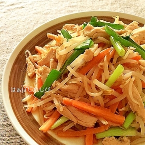 鷄むね肉と野菜の中華風炒め