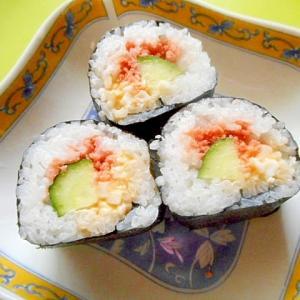 鮭フレークときゅうり卵の巻き寿司