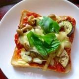 なすとしめじのピザ風トースト