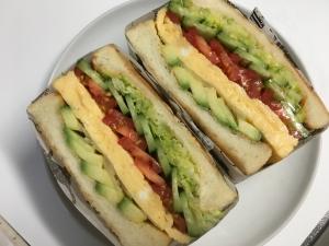 わんぱくサンド★アボカドと卵焼きとせんキャベツ★