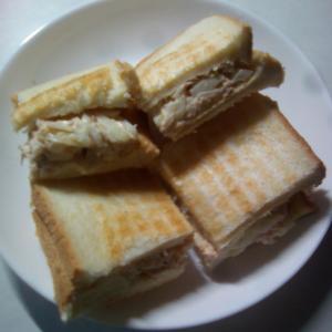 ツナオニオンサンドイッチ