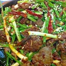 牛肉とニラのピリ辛クミン炒め