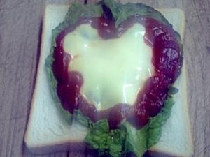 ハート型チーズトースト