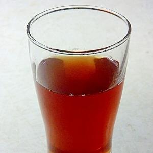 甘酸っぱい、黒豆ジュースと梅酒のカクテル