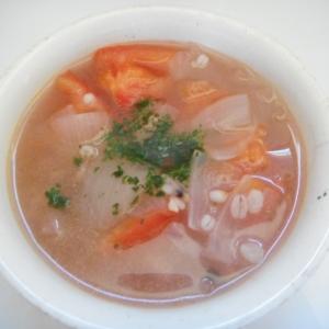 雑穀とトマトと玉ねぎのスープ