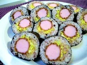 フィッシュソーセージカツの太巻き寿司