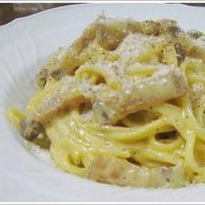 パンチェッタ+卵黄2個の濃厚カルボナーラのパスタ