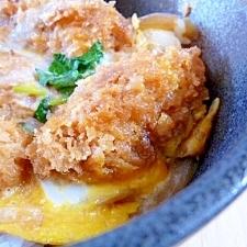 カキフライの卵とじ丼