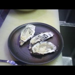 簡単に開けられる!殻付き生牡蠣を家庭で食べよう!