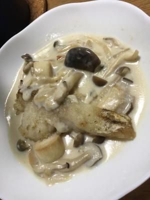 鱈のきのこクリームソース