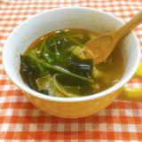 豆苗と豆板醤のピリ辛スープ