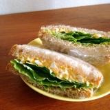 レタスとたまごのサンドイッチ