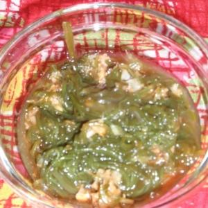 メカブとハナビラ茸のサラダ