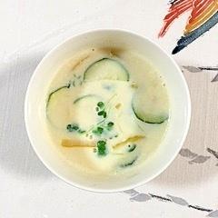ズッキーニとパプリカのスープ